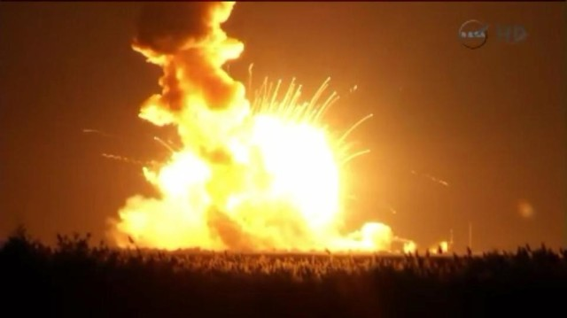 102814_antaresexplosion_feat-970x545