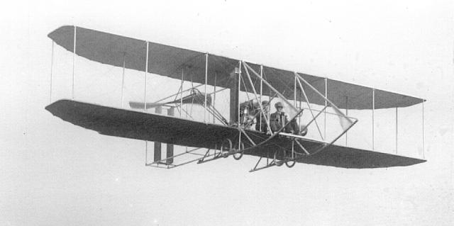 1910_Model B_flying.jpg