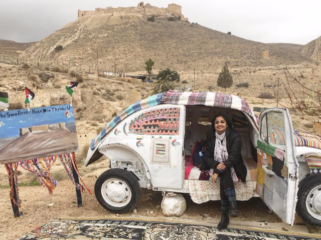 the-worlds-smallest-hotel-is-a-vintage-volkswagen-beetle-in-the-jordanian-desert.jpg